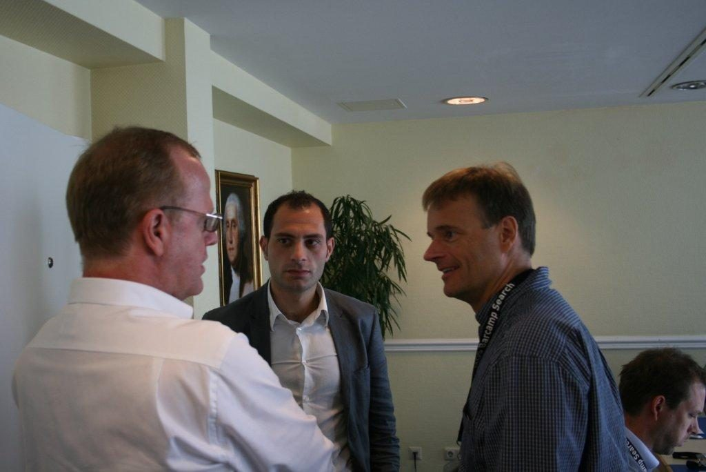 Diskussion Peter Rieger, Ugur Hurmaci, Tom Lismer (von links nach rechts)