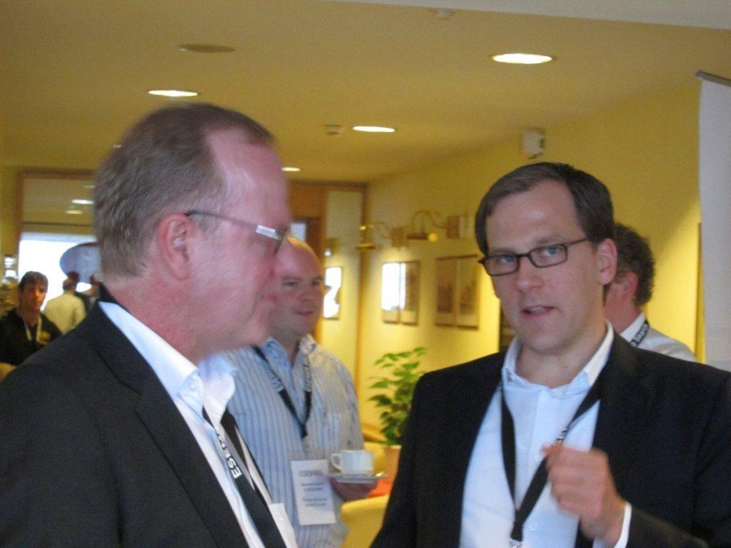 Prof. Dirk Lewandowski (rechts) und Peter Rieger im Gespräch